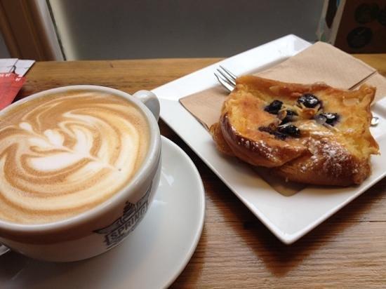 Spring Espresso : Latte and Bostock slice