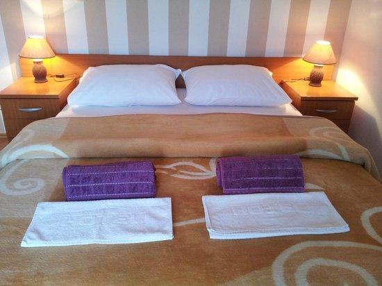 Casa Gagro: Double bed