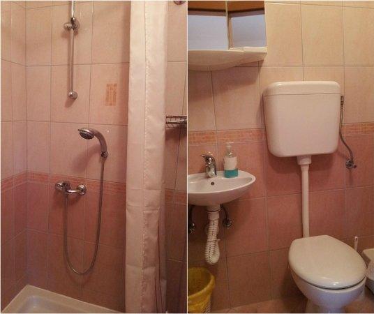 Casa Gagro: Bathroom