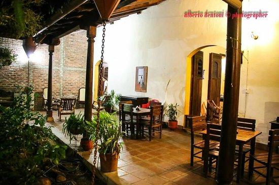 Hotel La Posada del Sol: patio