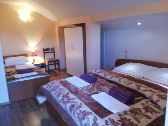 Casa Gagro: Triple room ( Double bed + single bed) with balcony