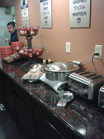 BEST WESTERN PLUS Inn of Williams : Desayuno