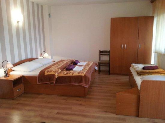 Casa Gagro: Family room with balcony