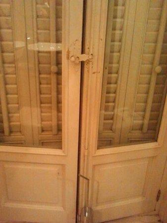 Lusso Infantas: hay que arreglar esta ventana...
