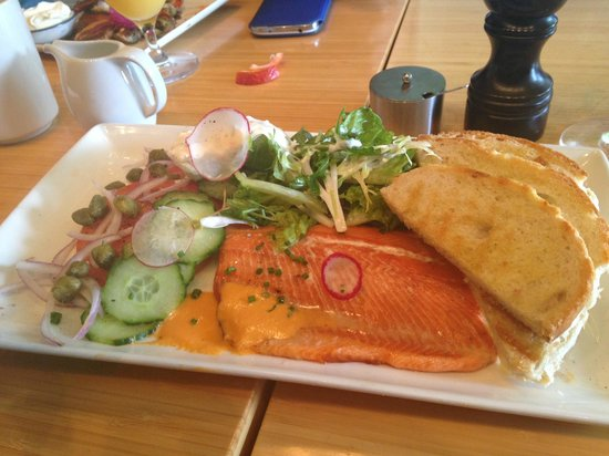 Fraser Cafe: Smoked Trout - AMAZING!