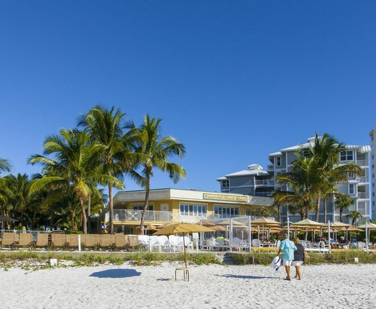Vanderbilt Beach Resort: View of Resort from Vanderbilt Beach
