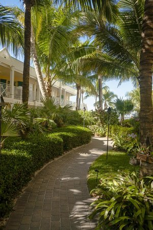 Vanderbilt Beach Resort: Orchid Garden Path