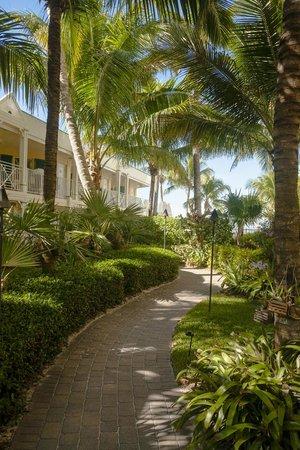 Vanderbilt Beach Resort: Orchid Garden Path