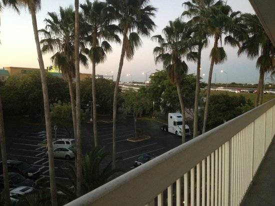Motel 6 Cutler Bay : view from room