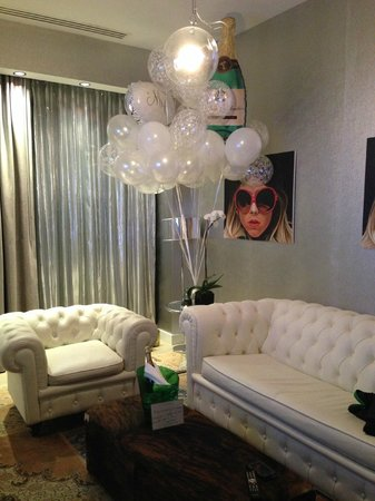Dream Downtown: Balloons Galore