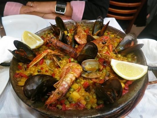 Restaurante Bosque Palermo: paella