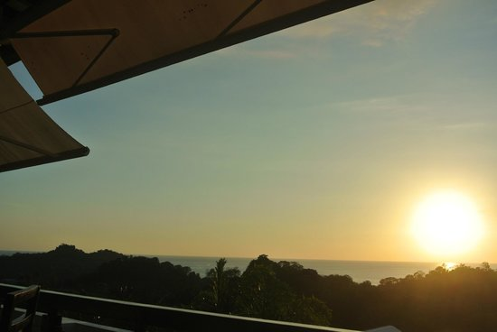 La Luna Restaurant at Gaia Hotel & Reserve: sunset view