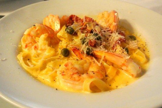 La Luna Restaurant at Gaia Hotel & Reserve: shrimp pasta - delish!