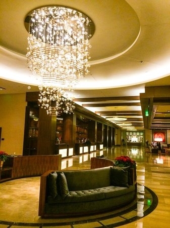 Omni Nashville Hotel: The spectacular lobby