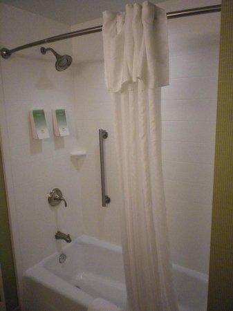Home2 Suites by Hilton San Antonio Downtown - Riverwalk: Bathroom - clean!
