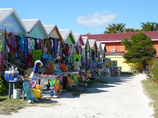 Grand Pineapple Beach Antigua : Vendors' mall by the beach - good for wide choice of souvenirs