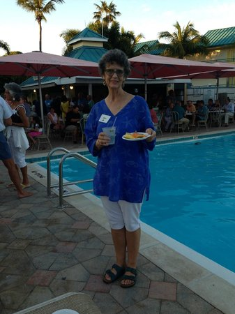 Tween Waters Inn Island Resort & Spa: Cocktail Party at Pool
