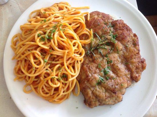 Il Blandford`s: Milanese con spaghetti al pomodoro