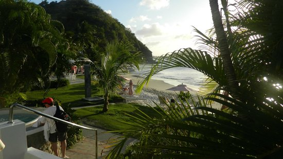 BodyHoliday Saint Lucia: View of beach from Pool