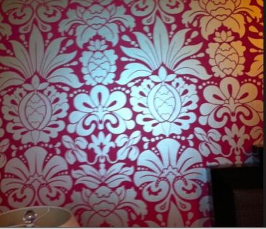 The Royal Hawaiian, a Luxury Collection Resort: The pineapple wall paper was actually charming. The rest of the room, not so much.