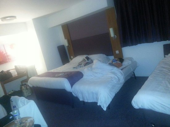 Premier Inn Bradford Central Hotel: Family room