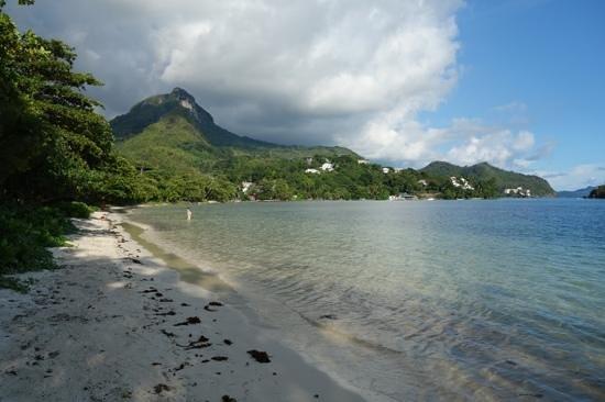 "Constance Ephelia : Playa sur del Ephelia Resort ""PORT LAUNAY""."