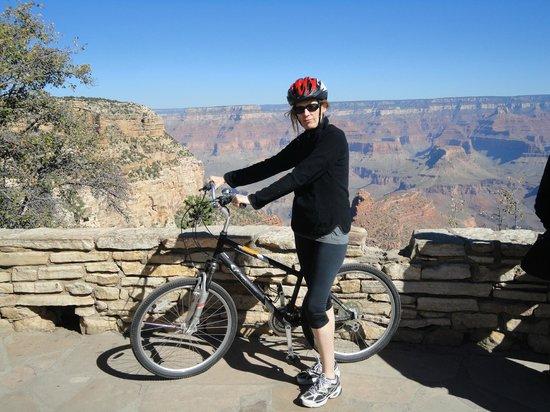 Bright Angel Bike Rentals and Tours: En bicicleta por el rim