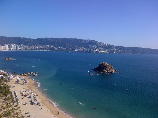 Gran Plaza Hotel Acapulco: View from my room on the 28th Floor