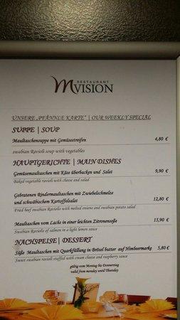 Mercure Hotel Stuttgart Böblingen: Das Restaurant.  2 Gerichte :(