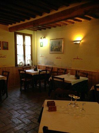 Fonte Alla Vena : una sala da pranzo