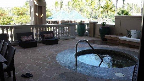 Hilton Waikoloa Village: Our own private hot tub