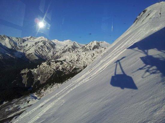 Seven Glaciers : Arriving at the restaurant via gondola
