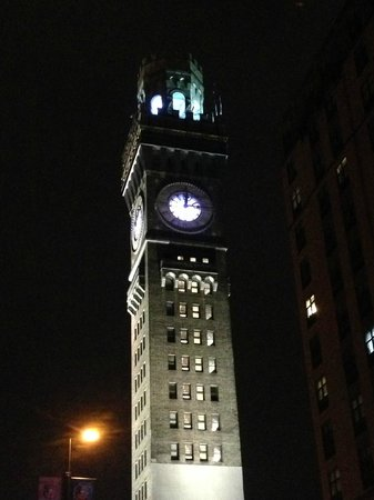 Holiday Inn Baltimore-Inner Harbor: Clock tower outside of hotel