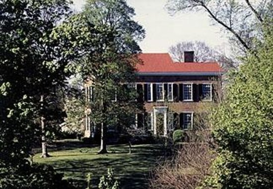 1851 Historic Maple Hill Manor Bed & Breakfast : Visit My Old Kentucky Home State Park just up the road