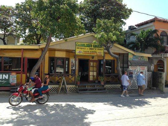 Caroline's Cookin' : Great food, great atmosphere--eat here!