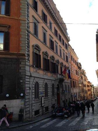Barberini Hotel: Via Rasalla