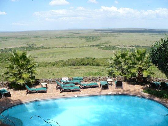 Mara Serena Safari Lodge: View over pool to Game Reserve