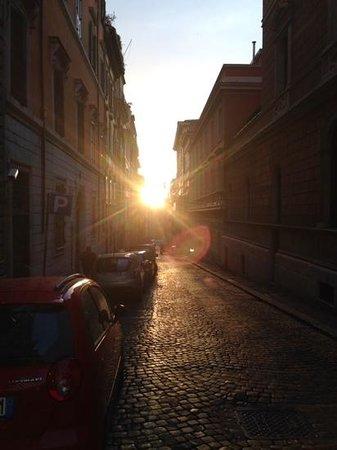 Barberini Hotel : Sunset down via Rasalla