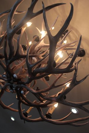 Snow King Resort : Elk Lamps in Lobby