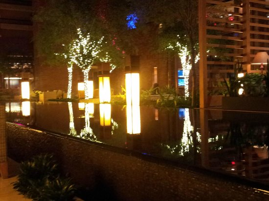 Hilton Anatole: Christmas decorations near lounge