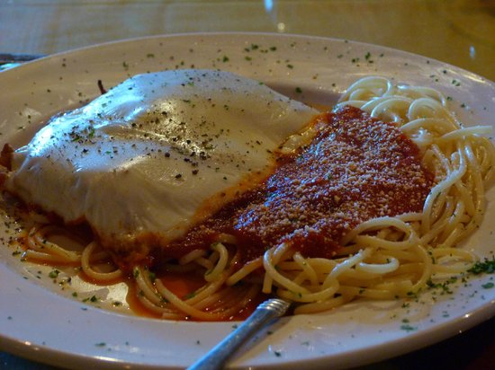 Italian Grill : Mouth watering chicken parmesan.