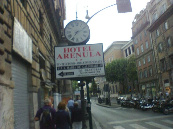 Hotel Arenula: placa indicativa do Hotel  Arenula
