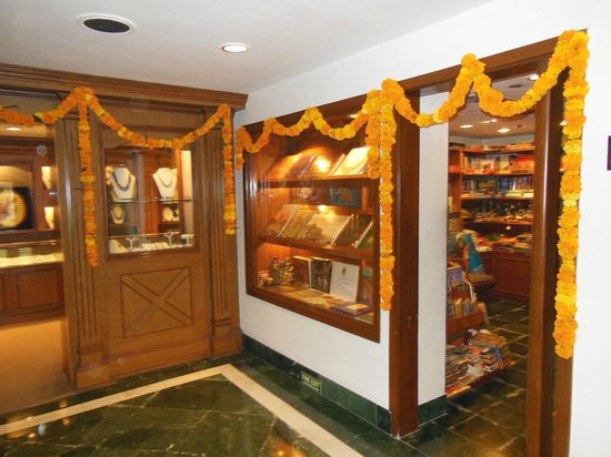 Trident, Agra : The shops were decorated for Diwali