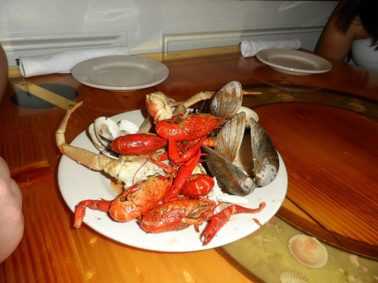 Captain George's Seafood Williamsburg : My son's favorites from the buffet
