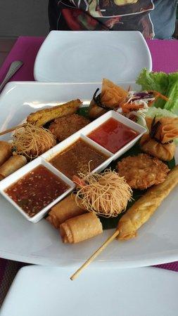 Sea Hag Restaurant: Sea Hag mixed appetizer platter... Mmmm!