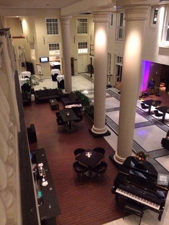 NH Collection Amsterdam Barbizon Palace: Inside lobby