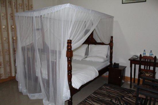 Tumaini Cottage: Our room.