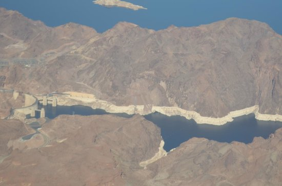 Grand Canyon Tour Company - South Rim Bus Tour : Hoover Dam and Lake Mead