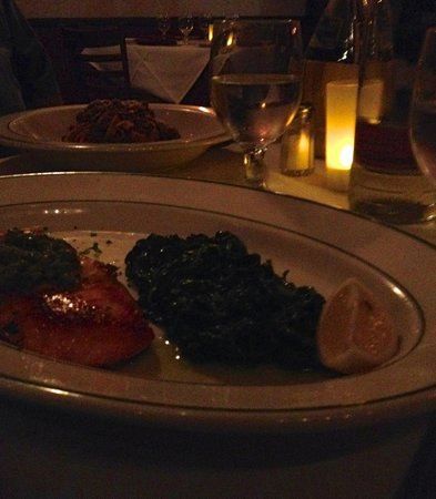 Sage Room Restaurant: tasty Spinach and salmon