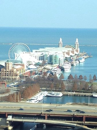 Sheraton Grand Chicago : View of Navy Pier